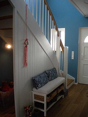 montagebau karstens g nstige holztreppe l beck wand t r unter der treppe. Black Bedroom Furniture Sets. Home Design Ideas